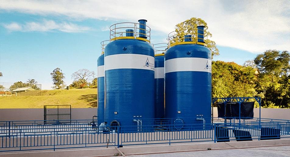 Estações de tratamento de água e esgoto